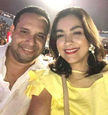 Joaquin Verdial y Victoria Paz disfutando del concierto de Nicky Jam