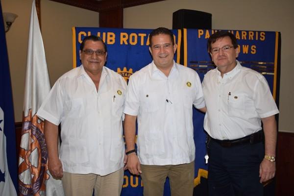 Noé Oliva, John Stainer y Rubén Wolozny.