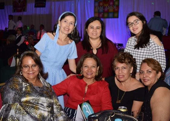 María Luisa Rápalo, Gisela Bautista, Gizze Figueroa, Iris de Aguilera, Ana De Bardales, Claudia Chinchilla y Ondina Ortíz.