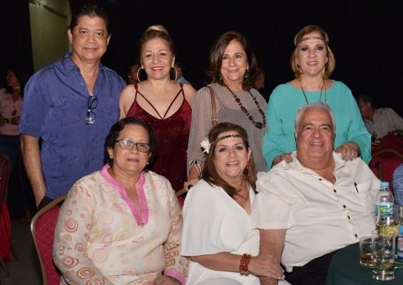 Marvin y Paty Bonilla, Claudia Canahuati, Martha Handal, Xiomara Ramírez, Elida y Kamal Diek