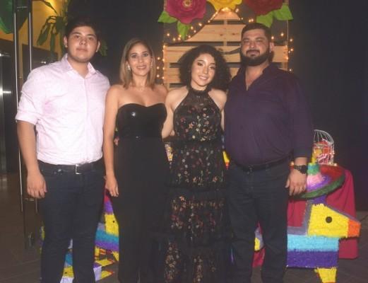 Miguel Moncayo, Carolina de Moncayo, Letizia Acosta Dunaway y Patricio Moncayo