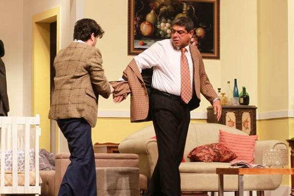 Miguel metiéndose a líos con su padre.