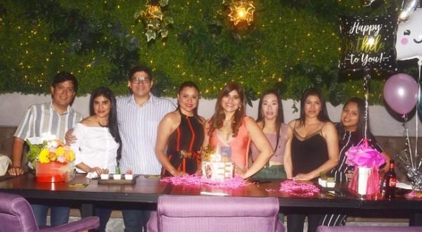 Miladen Gutiérrez celebró su cumpleaños con sus amigos en Cielo Rooftop ¡Felicidades!