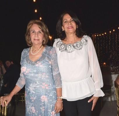 Miriam Hawit y Leyla Segebre.