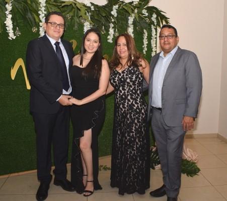 Moisés Vasquez, Gabriela Mejía, Alicia y Ramón Figueroa