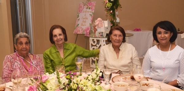 Patricia Duran, Geraldina Quezada, Odeth Mahomar y Juliet Mahomar.