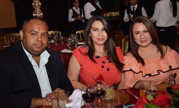 Eddie Andino, Mailing Coto y Ana Reyes.