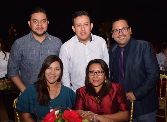 Miguel Matute, Leo Alvarado, José Bonilla, Xotchil Rodríguez y Abigail Santos.