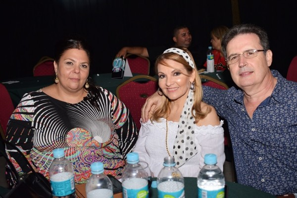 Susy Kafatty, Ana Licona y Hugo Duarte.