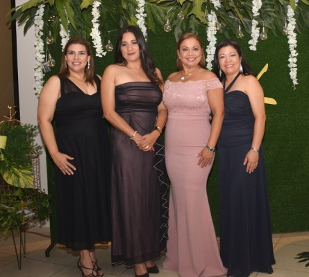 Tania Montoya, Rose Cooper, Indira Centeno y Sorina Murillo