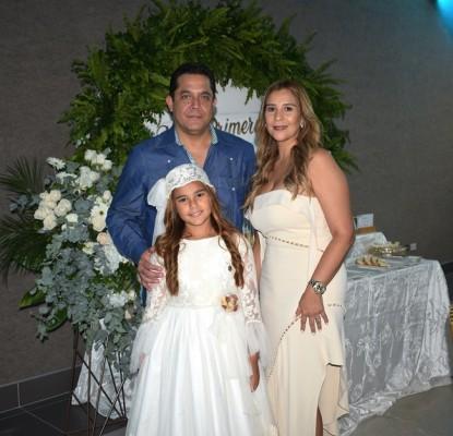 Xavier Salgado, Bricelda Romero y Miranda Salgado Romero