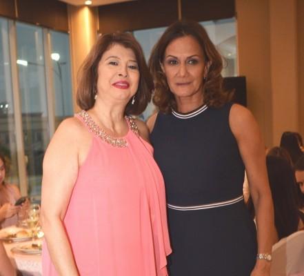 Xiomara Rivera y Lucy Kury.