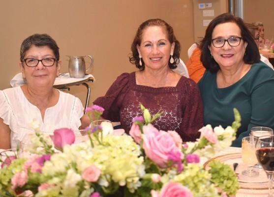 Xiomara Robertson, Ruth Jeannette Fasquelle y Marlyn Bocock.