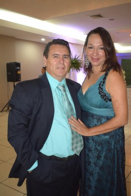 Aníbal Rivera y Karla Bueso.