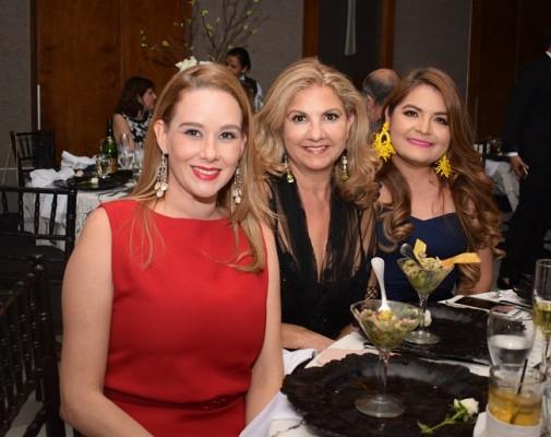 Andrea Valenzuela, Evelyn Canales Hawit y Hadassa Alicea
