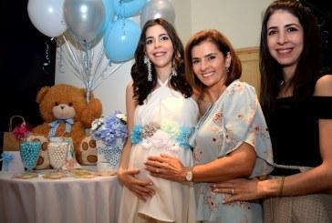 La belleza maternal de Andrea de Monterroso en su baby shower