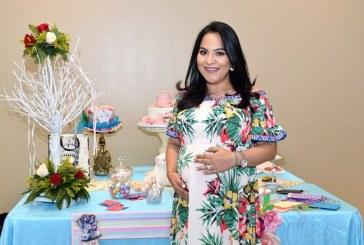 Alicia en el País de las Maravillas inspiró el baby shower de Carol