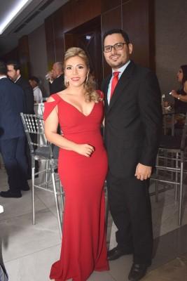 Claudia Medina de Paz y Dennis Paz