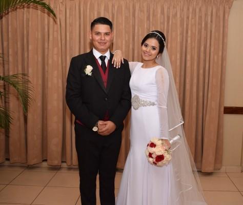 Los esposos Aguilar-Portillo posaron para Farah La Revista