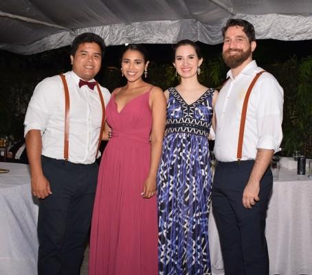 Dennis Quan, Sara de Quan, Margarita Sandoval y Davis Lagos