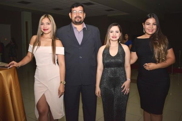 Diana Madrid, Gudy Ordoñez, Josselyn Cortés y Josselyn Lara.