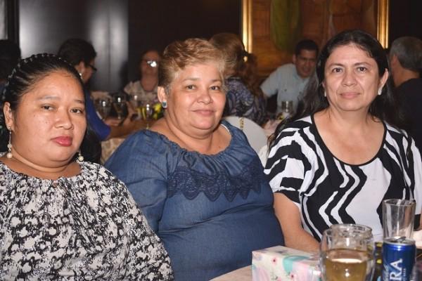 Francisca Aguilar, Vilma Ramírez y Brenda Orellana.
