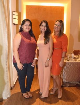 Gabriela Corea, Cristhianne de Jarquín y Mónica Aguilar