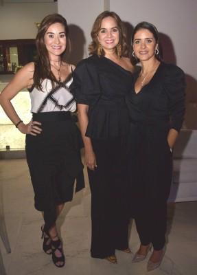 Janeth Garza de Larach, Melissa Garza y Mónica Córdova.