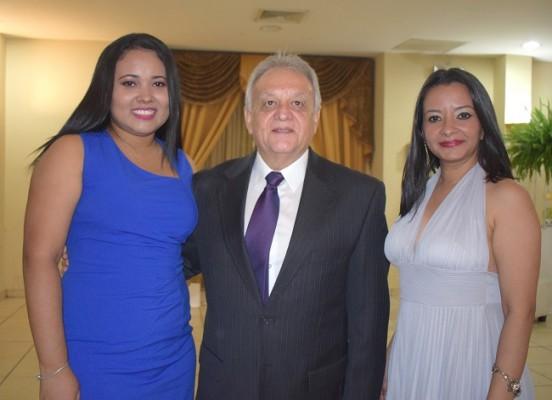 Karla Castro, Carlos Bueso y Reina Batres.