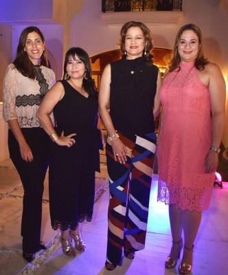 Karla Larach, Giselle Coto, Karen de Calidonio y Janine Hachem.