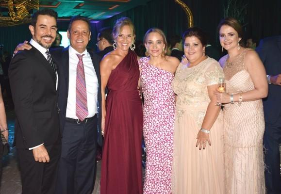La familia Fernández en pleno