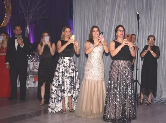 Los Papparazzi de las familias Larach y Zornitta durante la Gala de la EIS