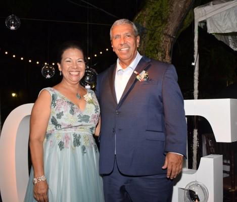 Los padres del novio, Miriam Henríquez de Aguilar y Ronaldo Aguilar