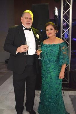 Los padres del novio, Ricardo Bermúdez y Evelyn Bendeck
