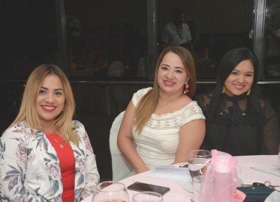 Maryin Herrera, Yanesi Muñoz y Gissely Cruz
