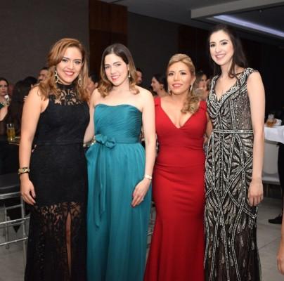 Nicole de López, Cecilia de Collier, Claudia Medina y Salome Paz