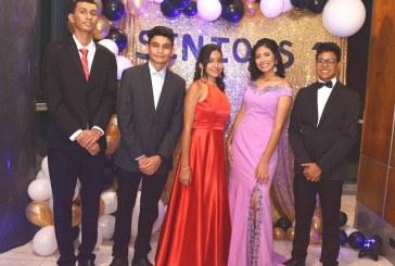 Mágica velada de graduación para el Instituto Bilingüe Mundo Maya