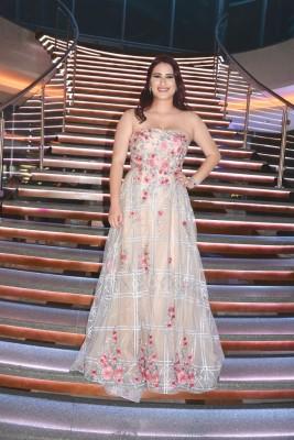 Sandra Rosenthal lució encantadora en su gala de graduación al apostar por un modelo exclusivo de Leyenda