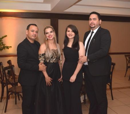 Santos Godoy, Glenis de Godoy, Maria Luisa de Ponce y Douglas Ponce