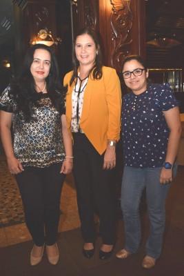 Sharon Viana, María Elena Cuevas y Ana Perdomo.