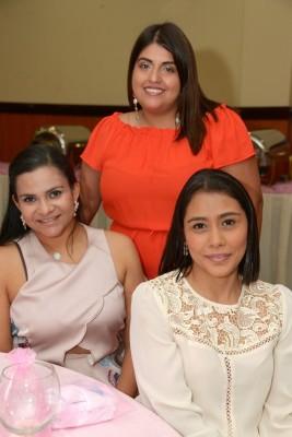 Sonia Herrera, Sonia Pineda y Laura Pineda.