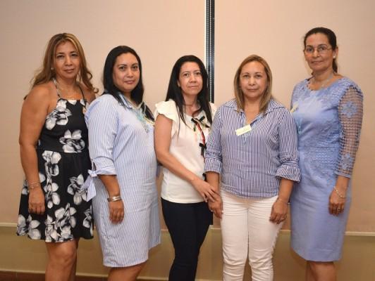 Suyapa Fajardo, Dilcia Fajardo, Dilcia Lara, Adelfa Fajardo y Aurora Juárez