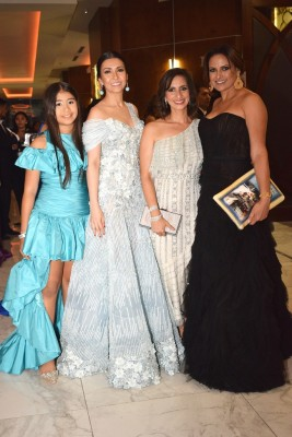 Valentina Carrion, Gina Carrion, Claudia Flores y Wendy Rajan