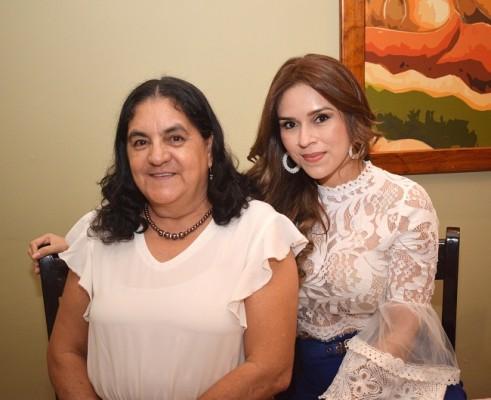 Zoila Caballero y Rocío Pineda