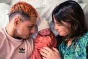 Chicharito Hernández debuta como papá en pleno Día del Padre