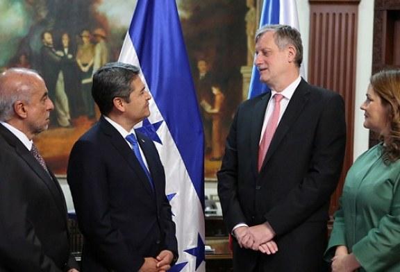 Cuatro nuevos embajadores presentan cartas credenciales ante el gobierno de Honduras