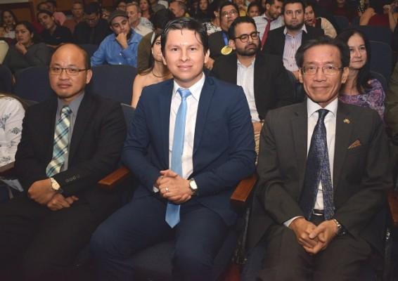 Antonio Liu, Jairo Mejía y Benito Liao