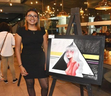 Axa Meléndez expuso algunas de sus obras en la especial velada artística