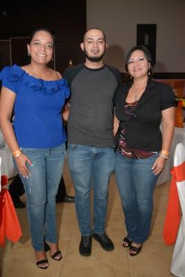Belinda Bonilla, Álvaro Figueroa y Diana Flores