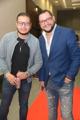Carlos y Julio Rodríguez, integrantes de la banda musical La Versátil.